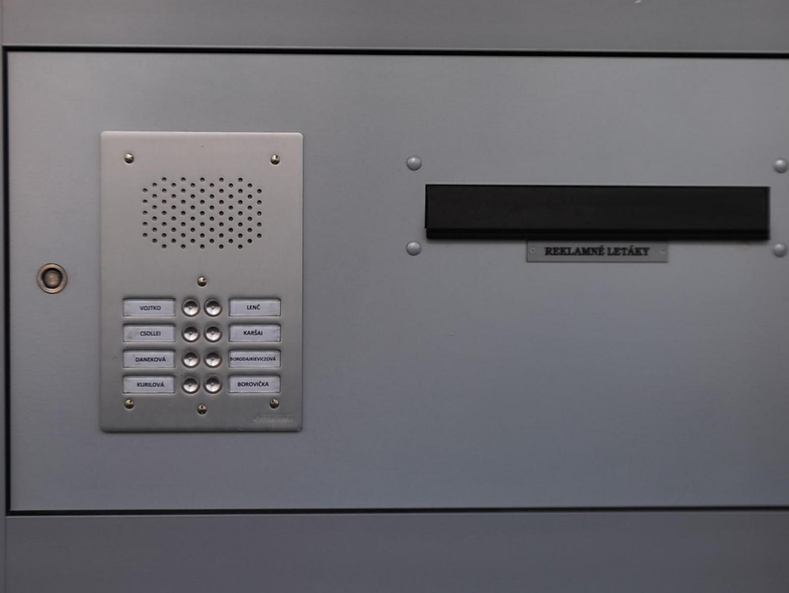 Laskomex - Komaxit - Audio