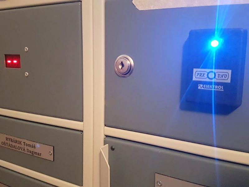 Schránky ELBOX - otváranie na čipový kľúč čítačka a displej
