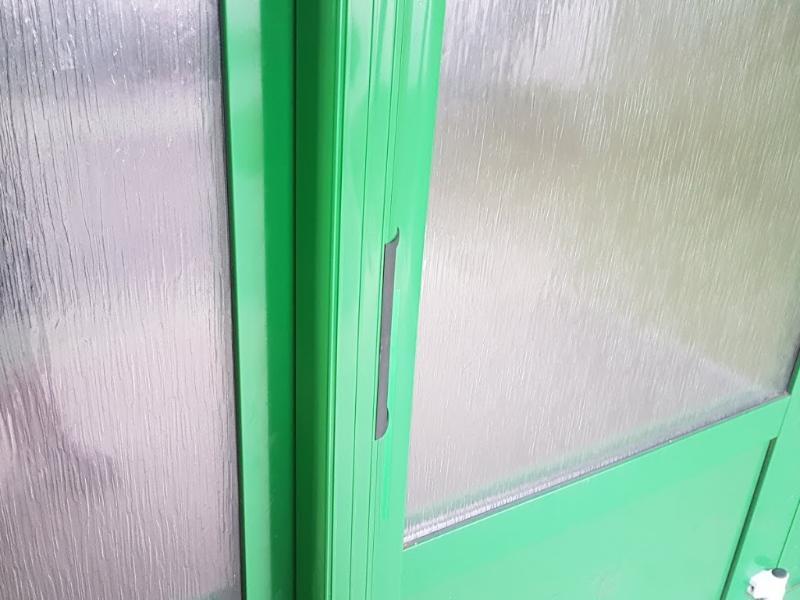 Detail lišty s magnetmi pohľad z boku