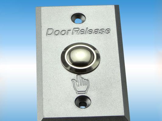 Tlačidlo na otvorenie dverí