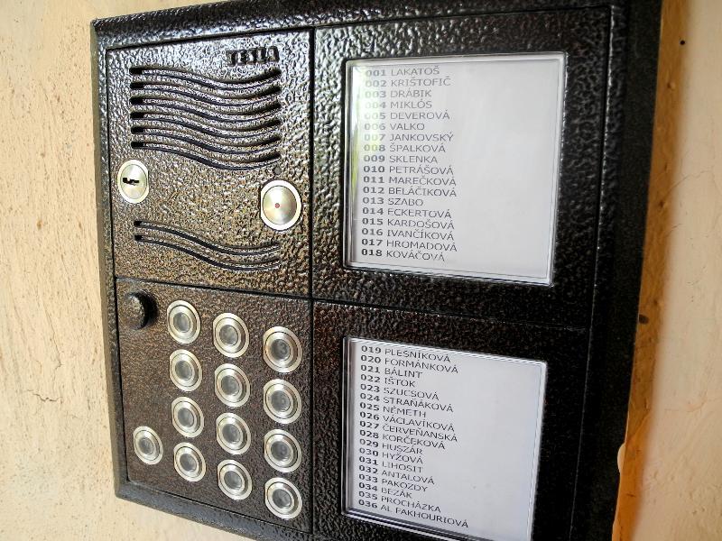 Tablo Karat pre 36 bytov, kódová voľba