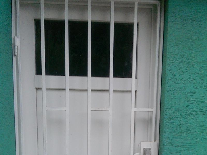 Mreže na dvere exteriér