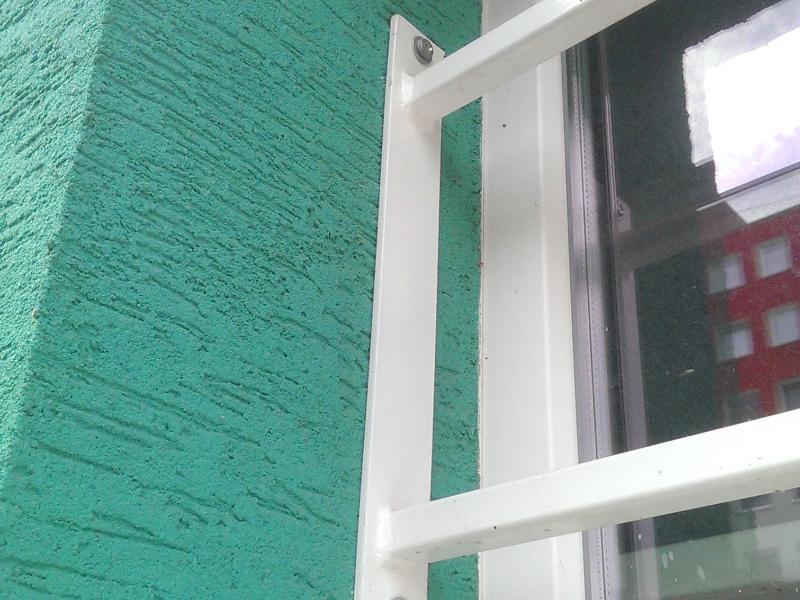 Mreže na okno pozinkované, komaxit